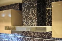 Облицовка вытяжки стеклом Vitrodesign by Ligron, поверхность глянцевая, декор арт. 382 Парадизо, крепление с помощью декоративных болтов
